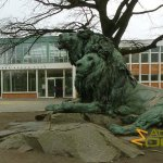 Berlin Tierpark, Lion pair in front of Alfred Brehm House by August Gaul and August Krauss - 1892-1897