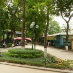 Hanoi Zoo, Full-sized amusement park near main entrance